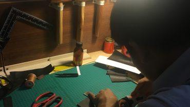 học làm đồ da thuộc và những dụng cụ làm da cơ bản