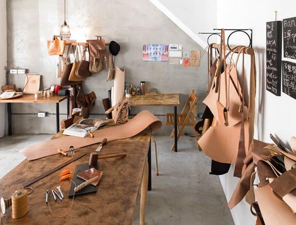 Xưởng sản xuất đồ da thật handmade