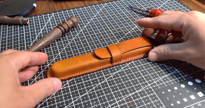 Hướng dẫn tự làm hộp bút da bằng phương pháp ép khuôn