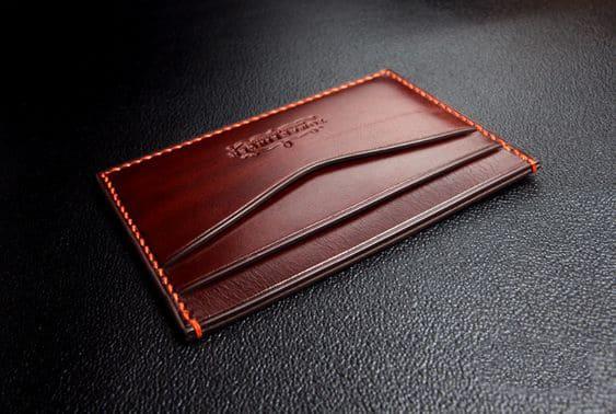 Ví đựng thẻ được làm từ da bò
