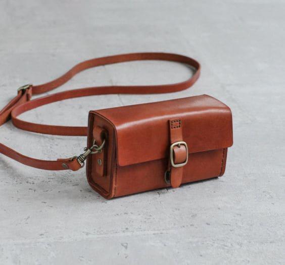 Túi da handmade từ da mộc Vegtan